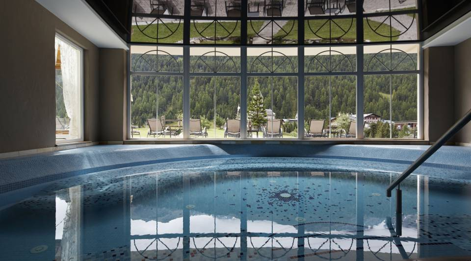 Hallenbad im Wellness Hotel Post in Sulden am Ortler